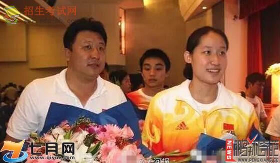 资讯生活【图】刘子歌将嫁50岁恩师金炜 年龄差23